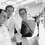 Die Brustkrebsspezialisten Dr. Kay Friedrichs, Dr. Timm Schlotfeldt und Prof. Eckhard Goepel (v.L.) arbeiten seit Jahren eng zusammen Foto : Reto Klar Copyright: Reto Klar