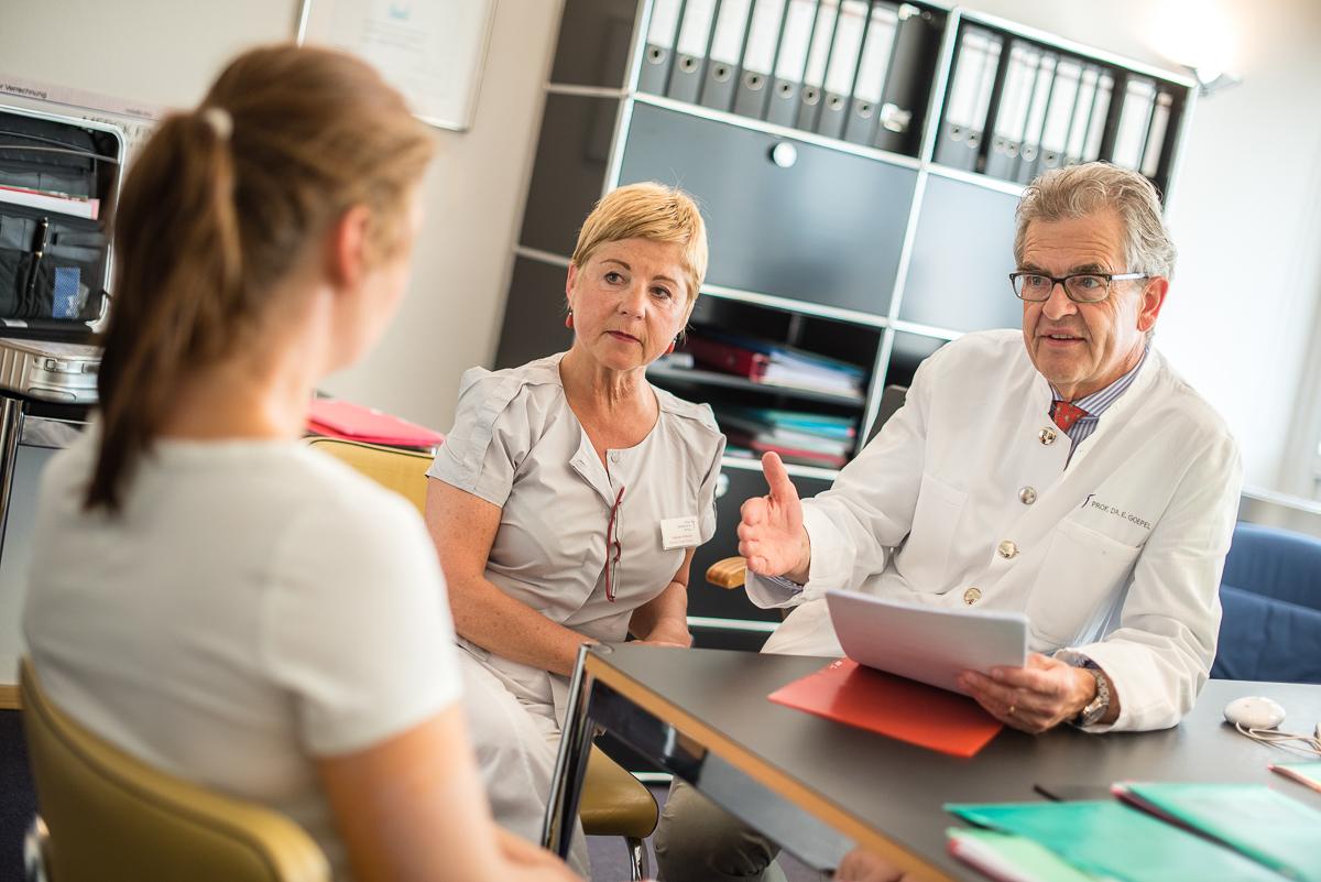 Prof. Dr. med. Eckhard Goepel, Mammazentrum Hamburg, 6.8.2015  | © (c) Martin Zitzlaff, www.zitzlaff.com, Veroeffentlichung nur gegen Honorar (MFM) und Belegexemplar, mit Namensnennung]